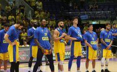 שחקני מכבי תל אביב מאוכזבים צילום(אודי ציטיאט)