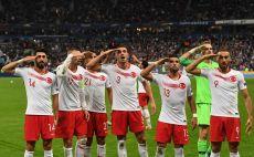 נבחרת טורקיה חוגגת בצרפת צילום( ALAIN JOCARD / Contributor)