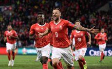 שחקני נבחרת שווייץ חוגגים צילום(FABRICE COFFRINI/AFP via Getty Images)