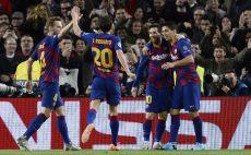 שחקני ברצלונה חוגגים צילום(PAU BARRENA/AFP via Getty Images)