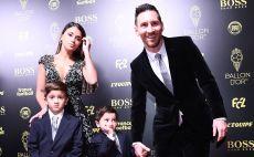 ליאו מסי עם בני משפחתו צילום( FRANCK FIFE / Contributor)