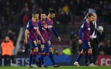 שחקני ברצלונה מאוכזבים צילום(Alex Caparros/Getty Images)
