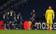 שחקני פריז סן ז'רמן חוגגים צילום(UEFA - Handout/UEFA via Getty Images)