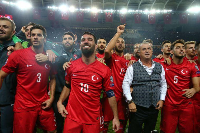 בעקבות מכות במסעדה: פתיח טרים עזב את נבחרת טורקיה