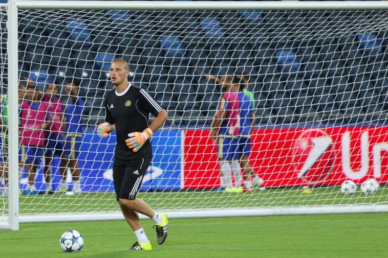 ראיקוביץ' לא השלים אימון, ליפשיץ בכוננות