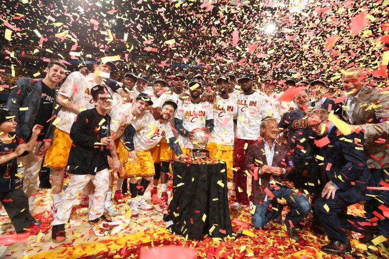 קליבלנד זוכה באליפות ב-2016. התואר האחרון של לברון עד היום (AFP)