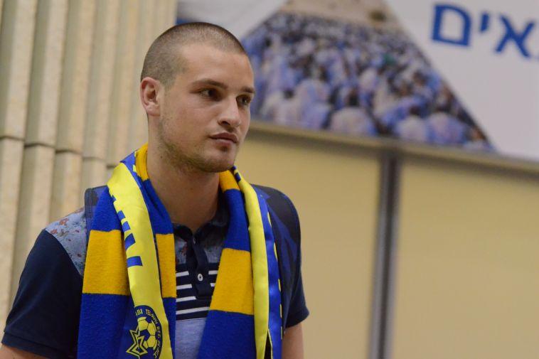 קסיאס, מאחורייך: ראיקוביץ' מגיע למכבי בדרך לצמרת העולמית