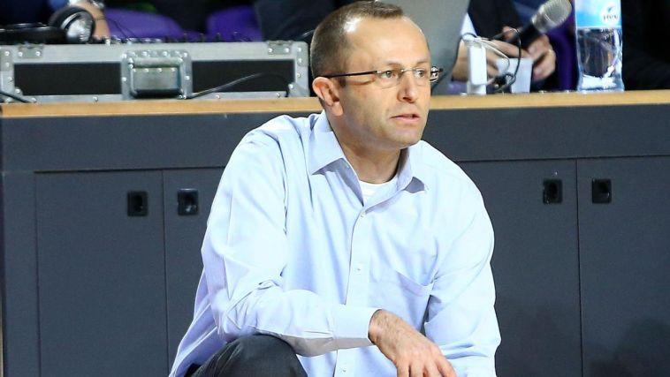 אטקינס נבחר לשחקן החודש, המאמן - דן שמיר