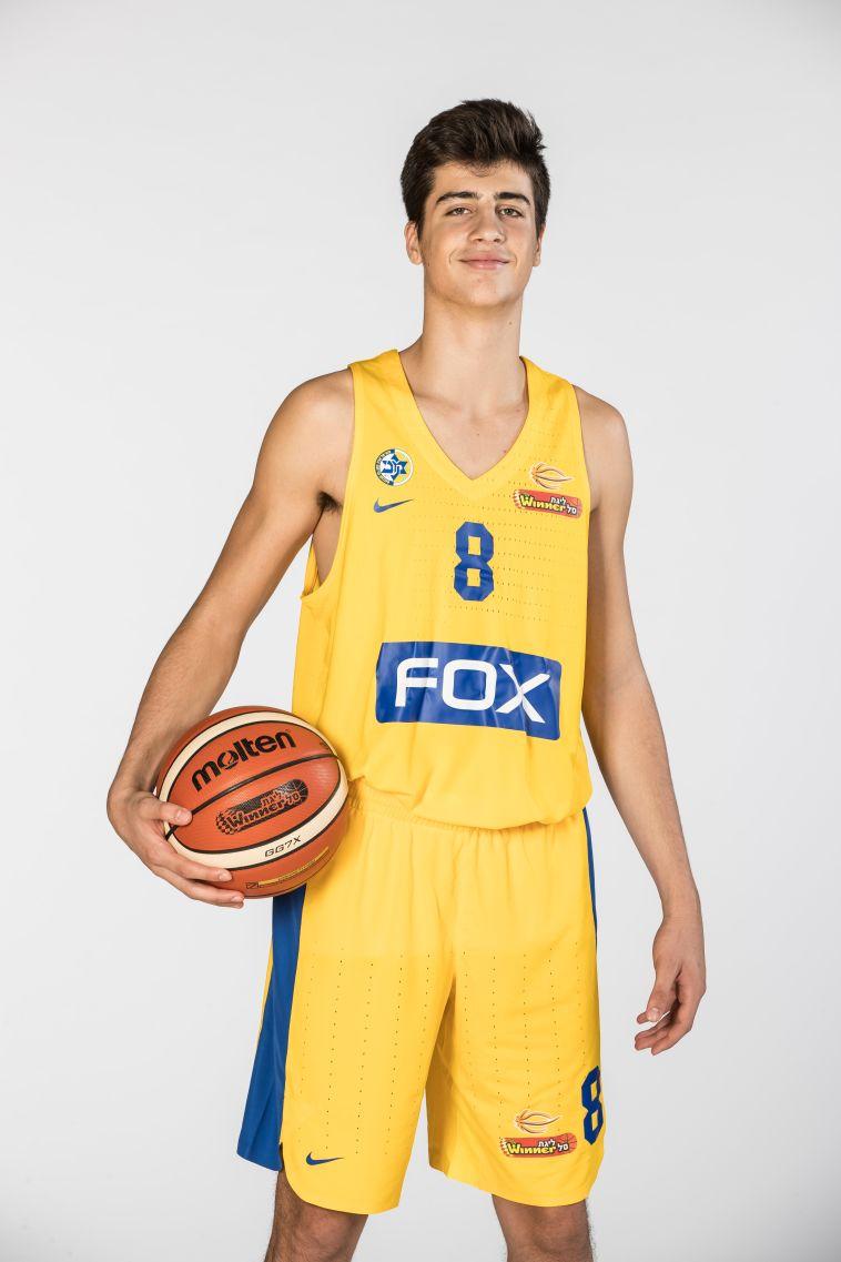דני אבדיה חתם במכבי תל אביב וישחק במקביל בנוער ובבוגרים