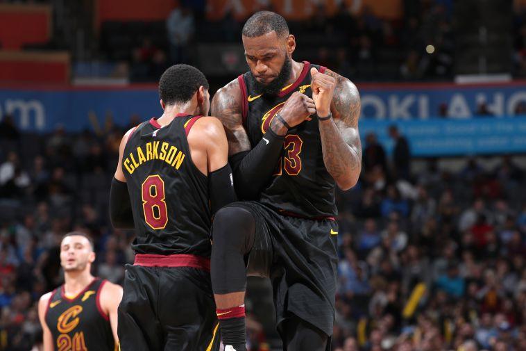 """שחקני ה-NBA חושבים: """"לברון ג'יימס חייב להישאר בקליבלנד"""""""