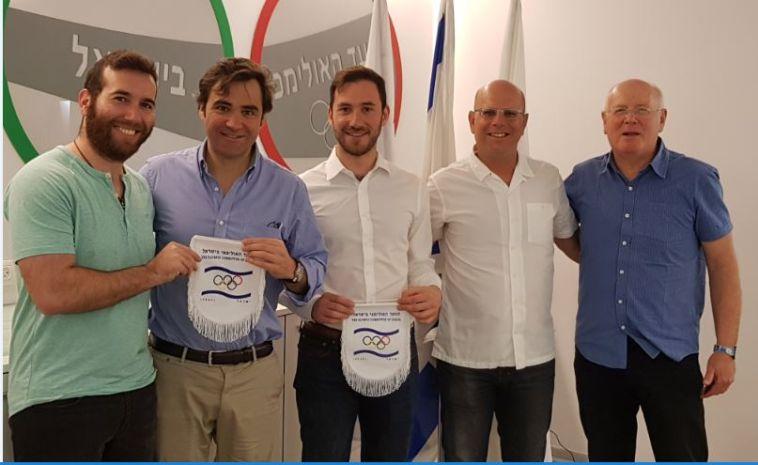אנשי הוועד האולימפי ונציגי ברצלונה