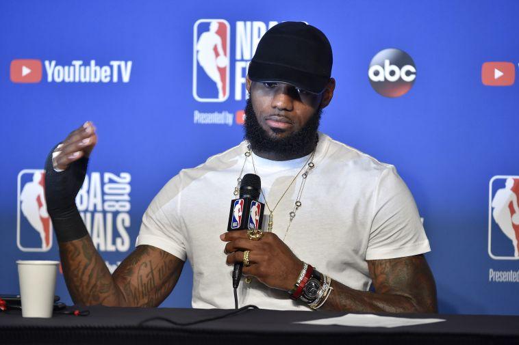 שואוטיים לברון: המהלך שמרעיד את ה-NBA