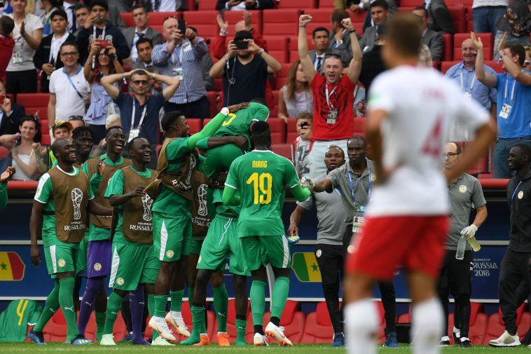 """סיסה: """"גאים לייצג את אפריקה"""". לבנדובסקי חטף מהרשת"""