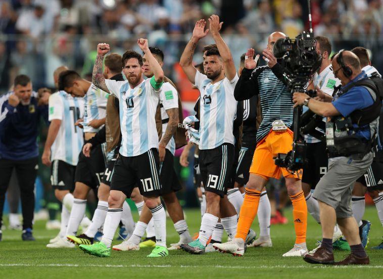 שחקני נבחרת ארגנטינה חוגגים