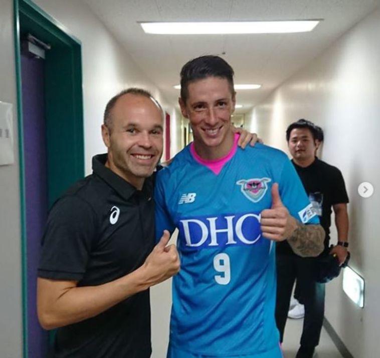צפו: פרננדו טורס כבש בניצחון 0:3 על קבוצתו של אינייסטה