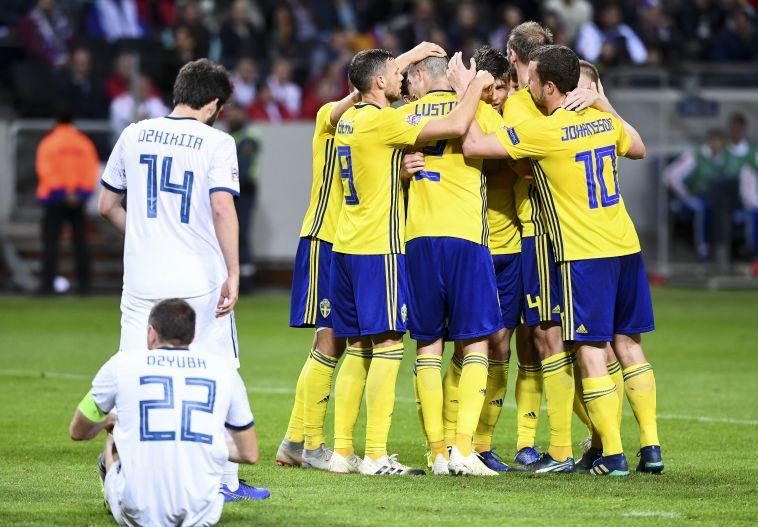 שבדיה גברה 0:2 על רוסיה ועלתה לפלייאוף, פורטוגל ופולין נפרדו בתיקו 1:1