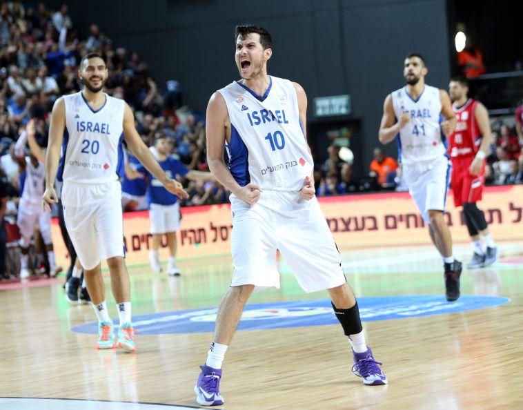 תלויה בעצמה: 74:83 ענק לנבחרת ישראל על סרביה