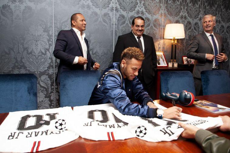 פאריס שומרת על ניימאר: חתם על חוזה עם הבנק הקטארי