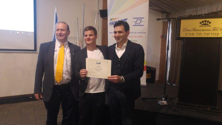 כבוד: גיא פירר הוכתר לספורטאי השנה באירופה בסקי מים