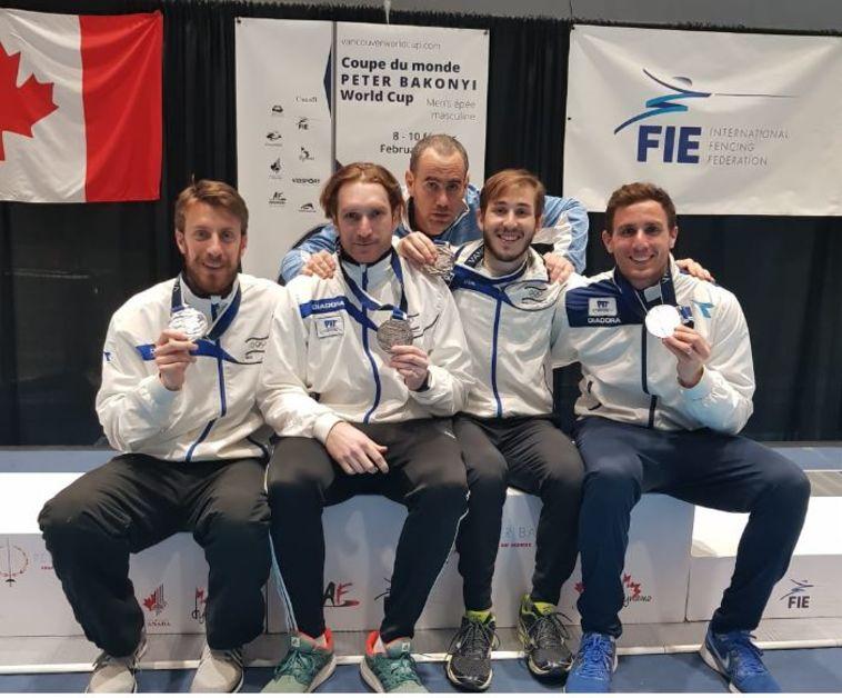 מדליית כסף היסטורית לנבחרת סייפי הדקר של ישראל
