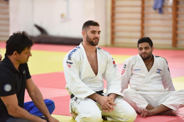 קצינים מצטיינים על מזרן אחד עם נבחרת ישראל בג'ודו