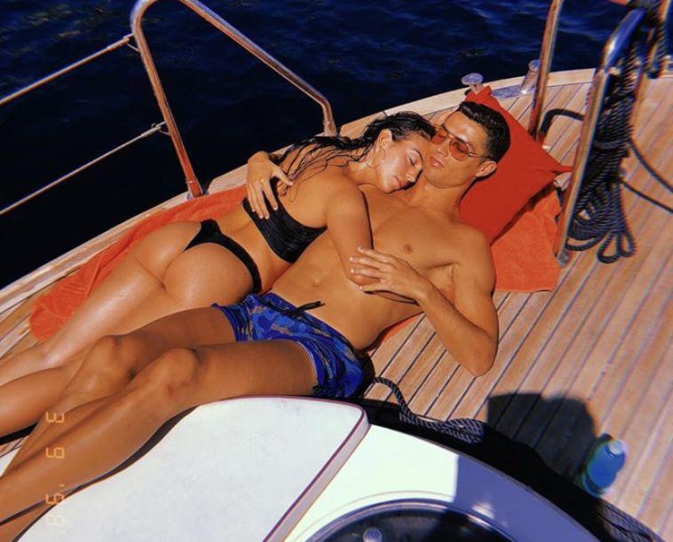 בת הזוג של רונאלדו: ״עולם הכדורגל שייך לך״