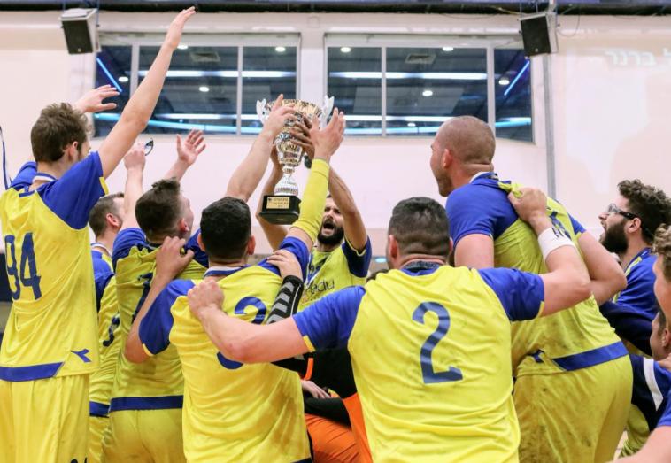 מכבי תל אביב זכתה בגביע לליגות המשנה לאחר 25:34 על מכבי דימונה