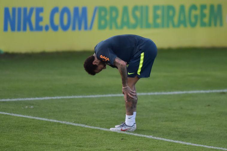 צפו: ניימאר התלונן על כאבים בברכו באימון נבחרת ברזיל