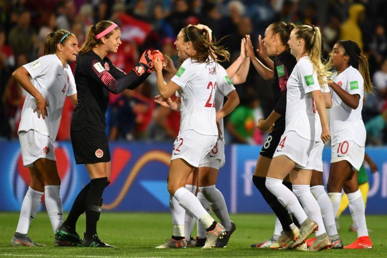 בועטות במוסכמות: כדורגל הנשים מתקדם אך רחוק משוויון