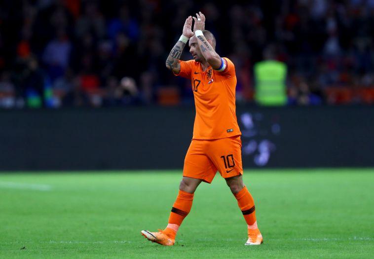 בגיל 35: ווסלי סניידר הודיע רשמית על פרישה מכדורגל