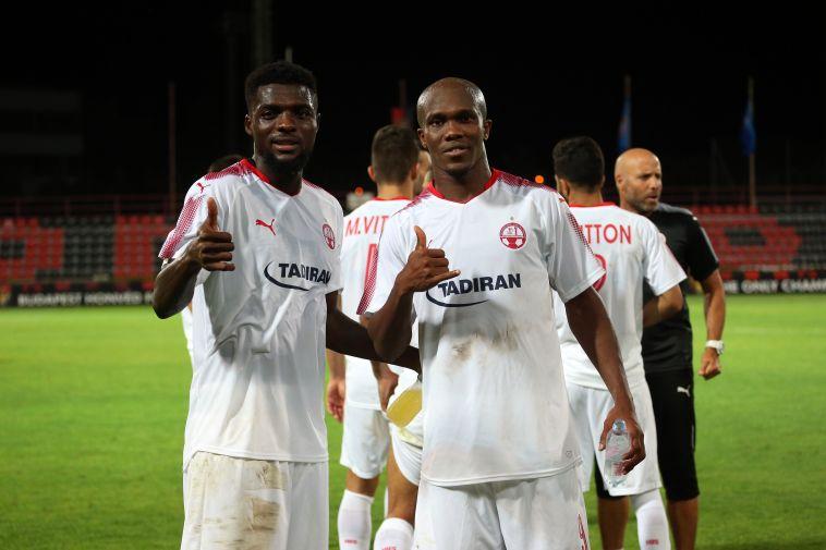 ג'ון אוגו וטוני וואקמה. בדרך לשתף פעולה גם בנבחרת ניגריה (אודי ציטיאט)