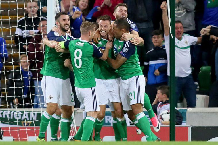 שחקני צפון אירלנד חוגגים (AFPׂׂ)