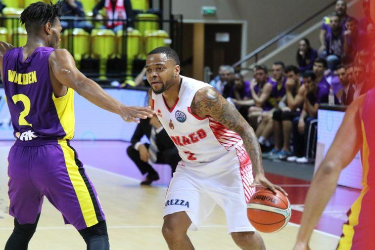 קורי וולדן. לא הצליח לעצור את הצרפתים (FIBA)