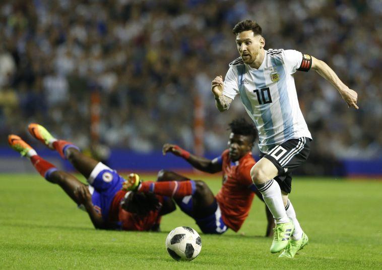 """מסי במדי נבחרת ארגנטינה. """"לא ניתן לו לטייל או לרקוד כאן"""" (Gettyimages)"""
