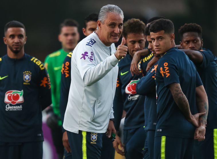 צ'יצ'י וקוטיניו. מסתמך עליו למרות שלא הבריק בברצלונה (FIFA)