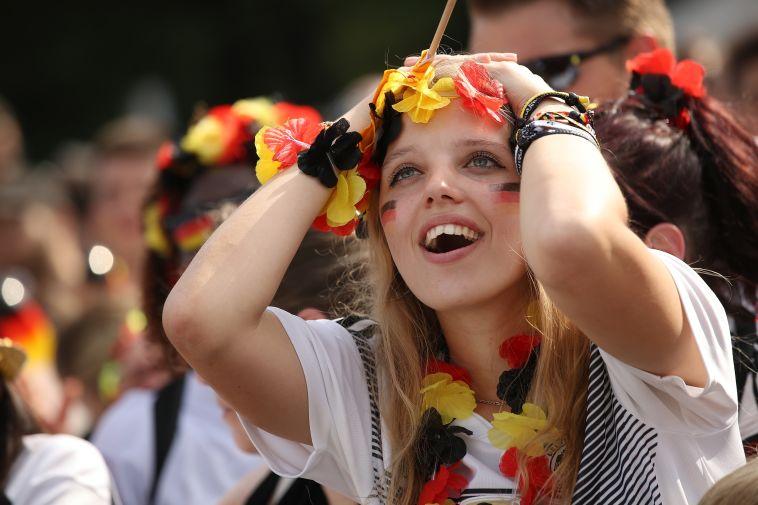 אוהדת גרמניה לא מאמינה (Gettyimages)