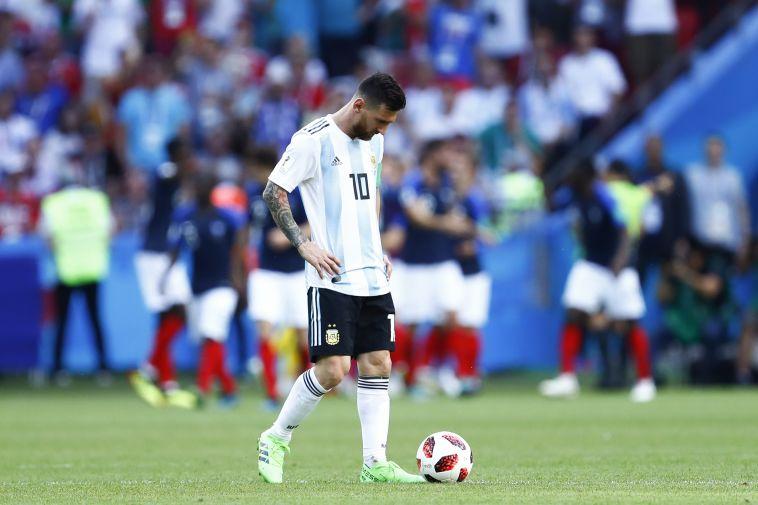 """מסי במדי ארגנטינה. """"האליל הכי גדול של המדינה"""" (AFP)"""