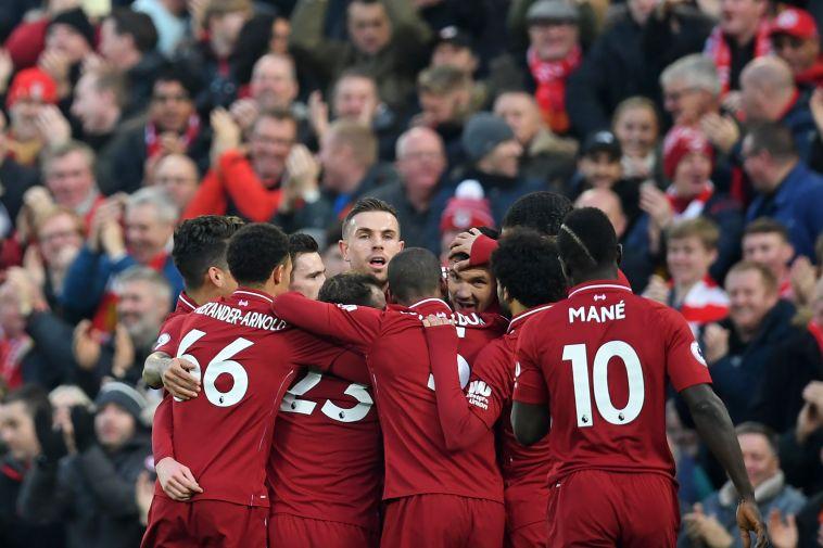 שחקני ליברפול חוגגים. צעד קרוב יותר לניצחון (AFP)