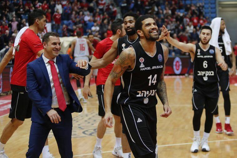 שחקני הפועל ירושלים חוגגים (FIBA)