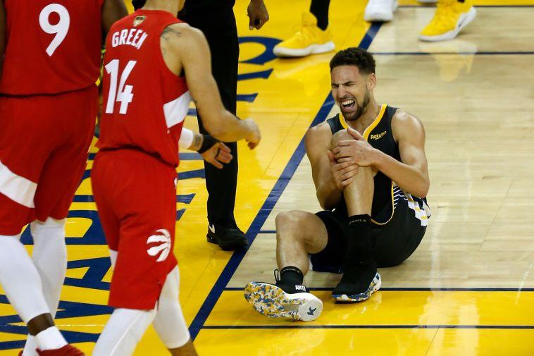 החלק הכי טרגי בספורט. קליי תומפסון ברגע הפציעה הקשה (Lachlan Cunningham/Getty Images)