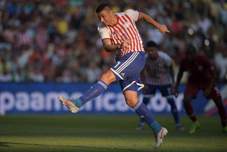 אוסקר קרדוסו רשם ציון דרך נחמד, אבל נבחרתו פספסה את הניצחון (CARL DE SOUZA/AFP/Getty Image)