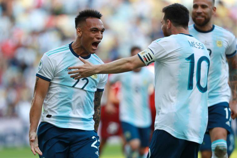 לאוטרו מרטינס עם ליאו מסי. לאחר המשחקים בברזיל, הצמד עשוי לחבור שוב (Lucas Uebel/GettyImages)