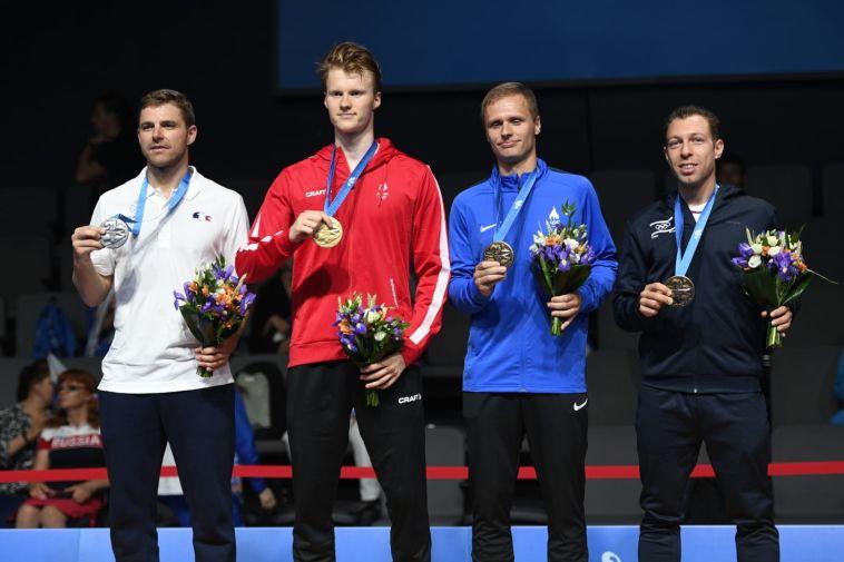 מישה זילברמן בטקס הענקת המדליות (עמית שיסל, באדיבות הוועד האולימפי בישראל)