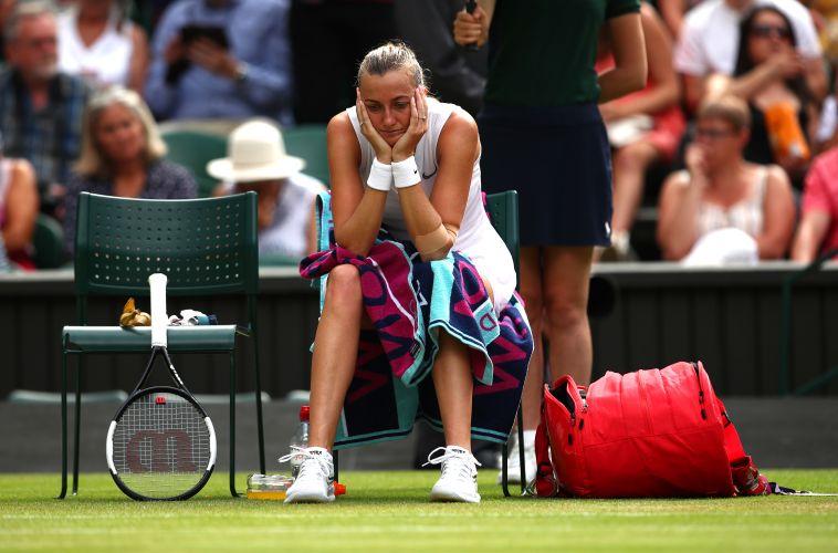 פטרה קביטובה בסיום המשחק. שחקנית בכירה נוספת נפרדת מווימבלדון (Clive Brunskill/Getty Images)