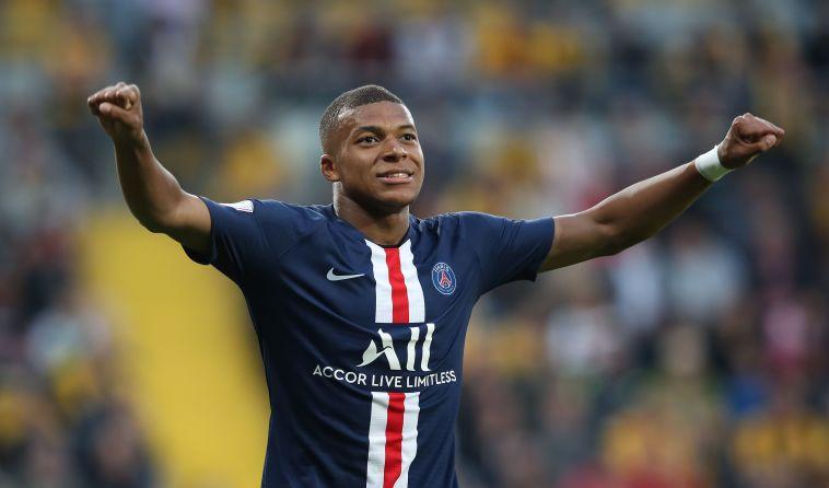 אמבפה. זינאדין זידאן מעוניין בצרפתי הצעיר (HARTMANN/AFP/GetyImages)