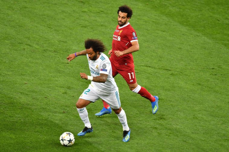 """מרסלו מול סלאח. """"לא הצלחתי לישון בלילה לפני בגמר מול ליברפול"""" (SERGEI SUPINSKY/AFP/Getty Images)"""