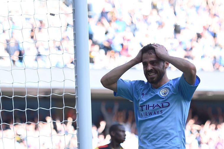 גם הוא לא מאמין לקצב המטורף. ברנרדו סילבה אחרי השער השביעי (OLI SCARFF/AFP/Getty Images)