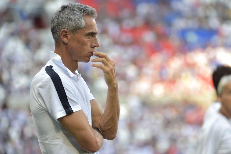 פאולו סוזה. המאמן הפורטוגלי ניצל מהפסד (ROMAIN LAFABREGUE/AFP/Getty Images)