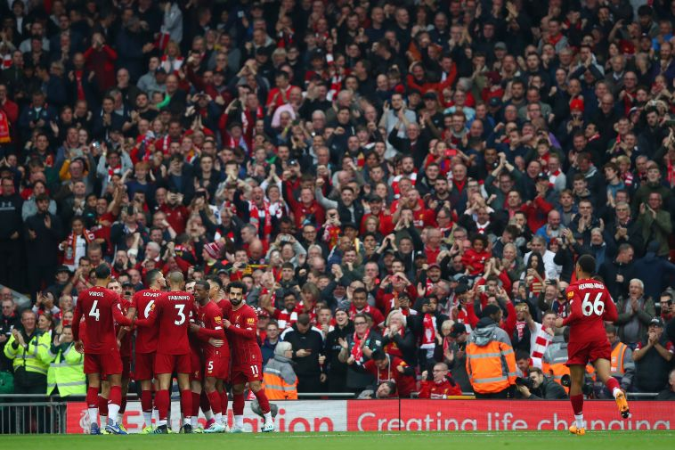 שחקני ליברפול חוגגים את שער היתרון. (Clive Brunskill/Getty Images)