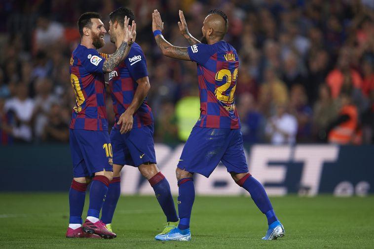 חגיגה של ברצלונה במחצית הראשונה (Aitor Alcalde/Getty Images)